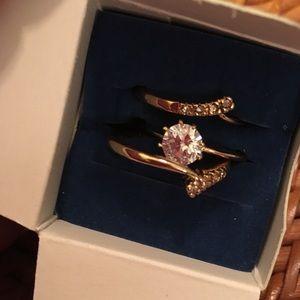 NIB Avon Solitare Ring Set Sz 8